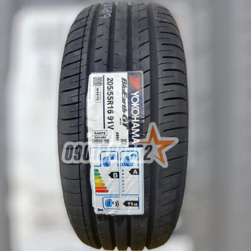 Lop Vo Xe Yokohama 205 55R16 91V BluEarth GT 1